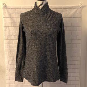 Lululemon gray pullover thumbholes gray shirt top